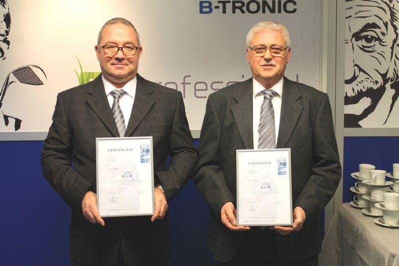"""Rob Frelih en Guy Scheerlinck behaalden onlangs hun Certificaat """"KNX Partner"""""""