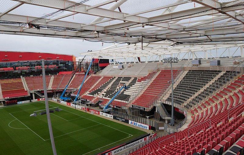 SAB dakplaten voor stadion AZ