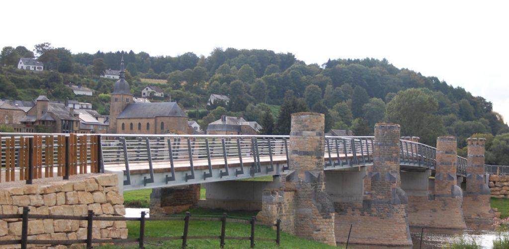 Loopbrug van Breux herbouwd in verzinkt staal