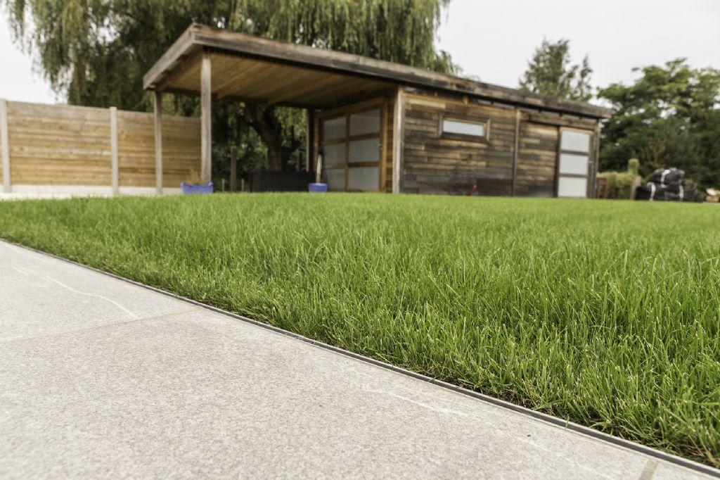 Aco Garden : innovation pour le caniveau à fente Euroline Discret Inox   architectura.be