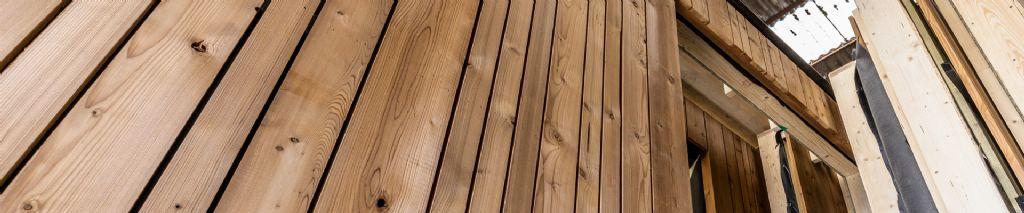 Afgewerkte prefab houtskeletwanden in bouwpakketten