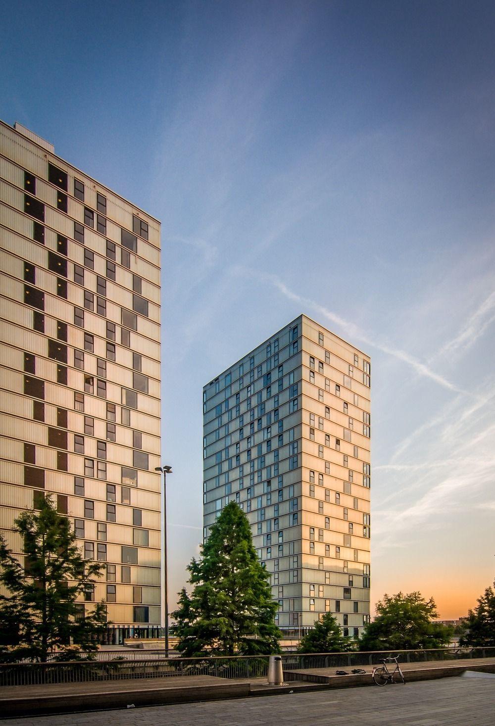 Side by Side, par De Architekten Cie. Amsterdam / Frits van Dongen.