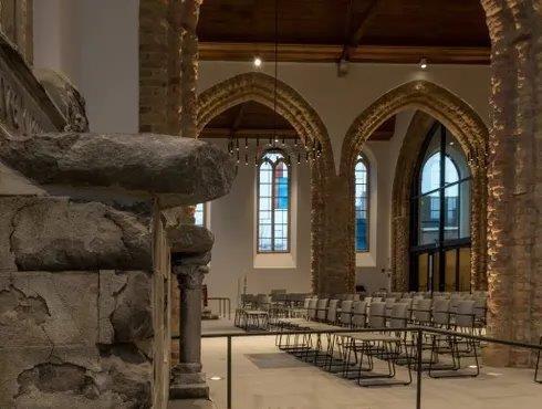 """""""De brandschade maakte de restauratie van de Sint-Niklaaskerk extra complex"""""""