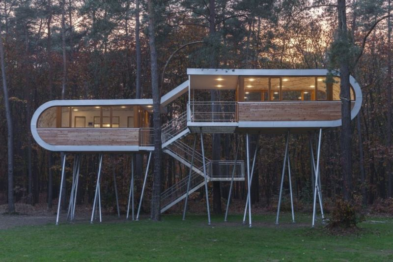 8. The Treehouse / baumraum
