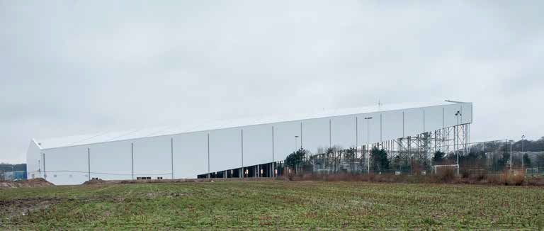 De dertig jaar oude borstelbaan in Wilrijk maakte plaats voor een 240 meter lange, 48 meter hoge en 50 meter brede indoorhal. (Beeld: Bernard Boccara)