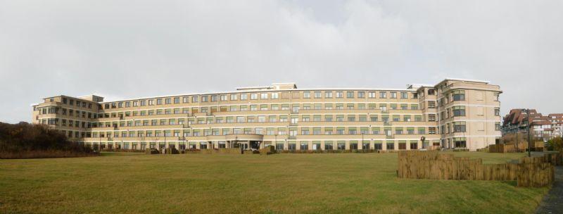 De laatste grote renovatie van het Koningin Elisabeth instituut te Oostduinkerke dateert van ergens in de jaren '80 en dus wordt het hoog tijd om het revalidatiecentrum nog eens een update te geven.