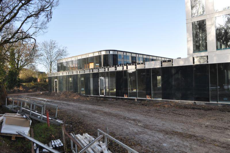 De bouw van het centrum schiet goed op.