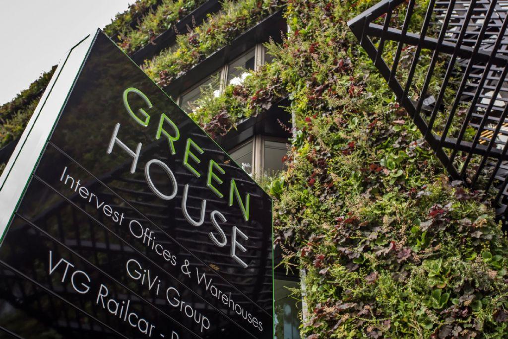 Greenhouse Antwerp: 50.000 planten aan de gevel