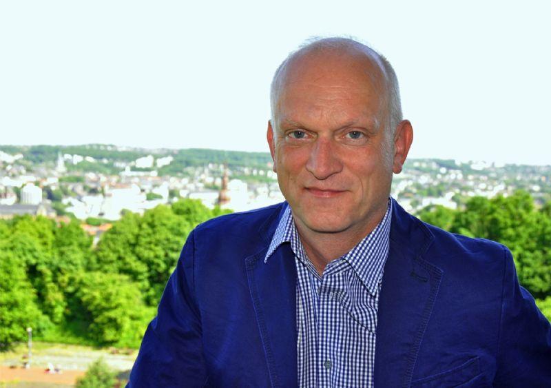 Christoph Grafe ziet geen heil in de 'inkanteling', en onderstreept het belang van de onafhankelijkheid van de Bouwmeester en zijn team.
