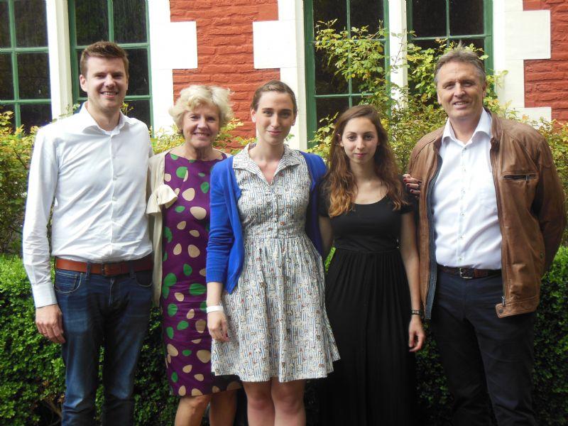 Wouter Van Ranst (zoon van wijlen Jef Van Ranst), Monique Van Tilgorgh (weduwe Jef Van Ranst), Clara Van Geel , Marine Boey  en Philippe Van Goethem.