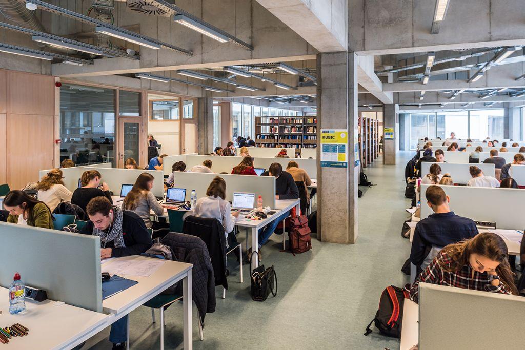 In het nieuwe leercentrum kunnen vijfhonderd jongeren in optimale omstandigheden studeren. (Beeld: KU Leuven - Geert Vanden Wijngaert)