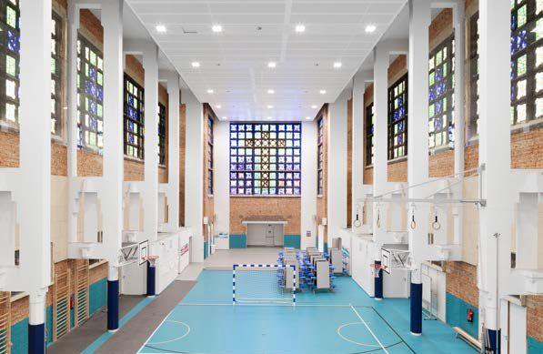 Herbestemming van een kerk tot school in Anderlecht