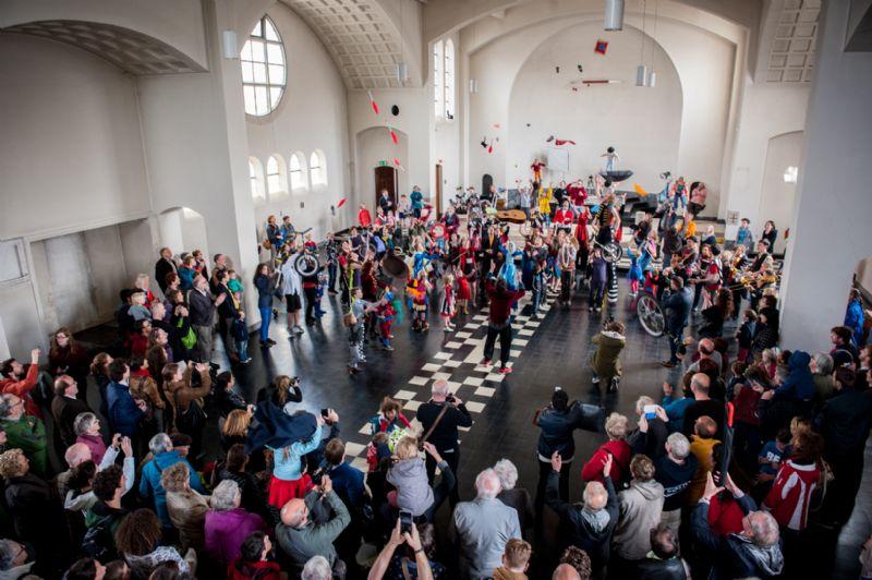 Circusplaneet en Plano bouwen aan Circuskerk
