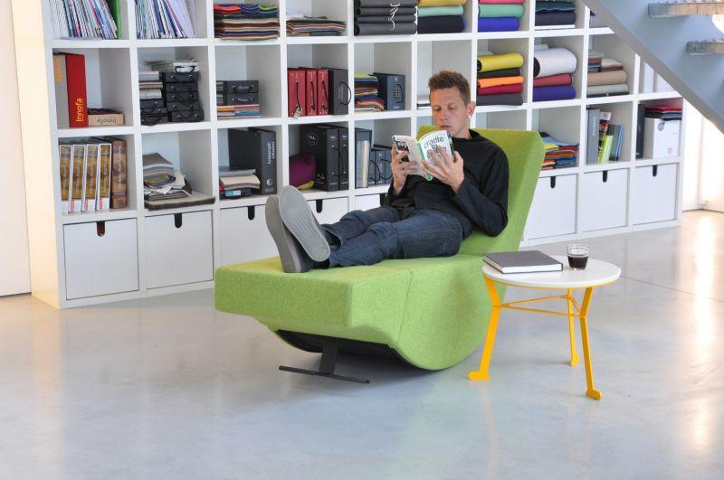 De grasgroene Breakdancer is ontworpen met het oog op hedendaagse kantoorinterieurs