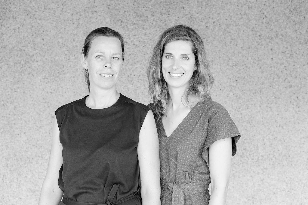 Caroline Voet (links), samen met Leen De Brabandere