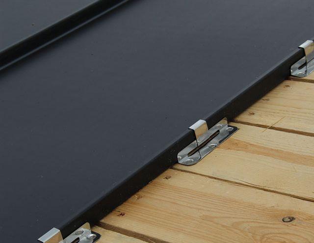 Staande naad: een goede bevestiging van de dakbedekking en de dakvloer