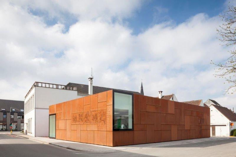 Studio Farris Architects schenkt Sint-Andries opmerkelijk stadsbibliotheek