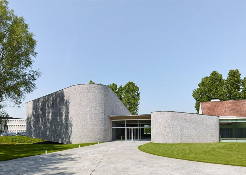 Dehullu Architecten: Auditorium Kortrijk.