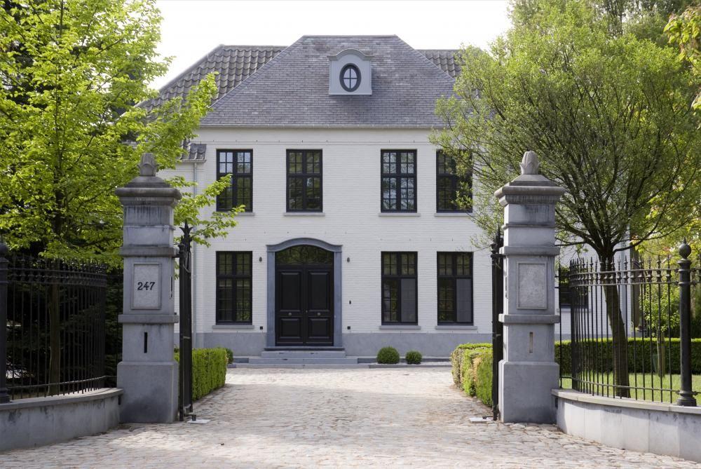 Une majestueuse villa neuve au charme authentique