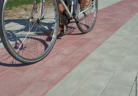 Succès pour les premières réalisations en pavés pour pistes cyclables