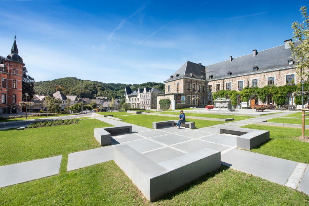 Maatwerk in prefab beton, een dankbaar hulpmiddel voor het tot stand brengen van een publieke ruimte met specifiek karakter