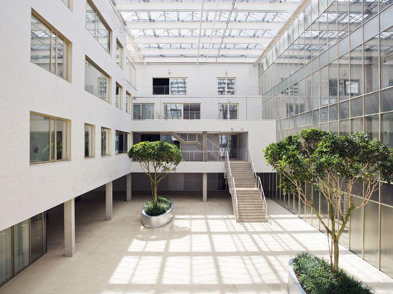 De patio van het Universitair Psychiatrisch Centrum van de KU Leuven