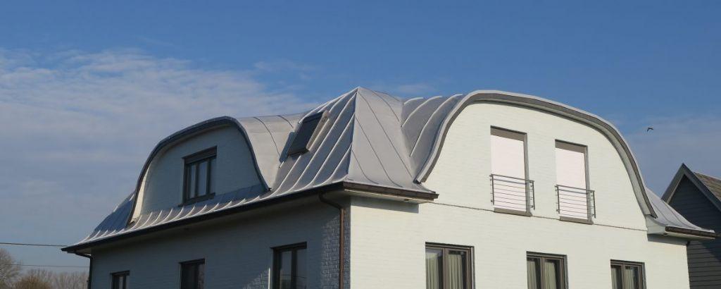 Dakbanen: zelfs een oplossing voor een hellend dak