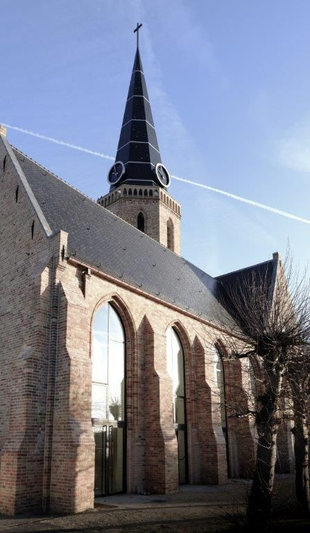 Na de intensieve restauratie en renovatie is de Sint-Niklaaskerk meer dan ooit het kloppend hart van Westkapelle. (Beeld: Thibault Florin)