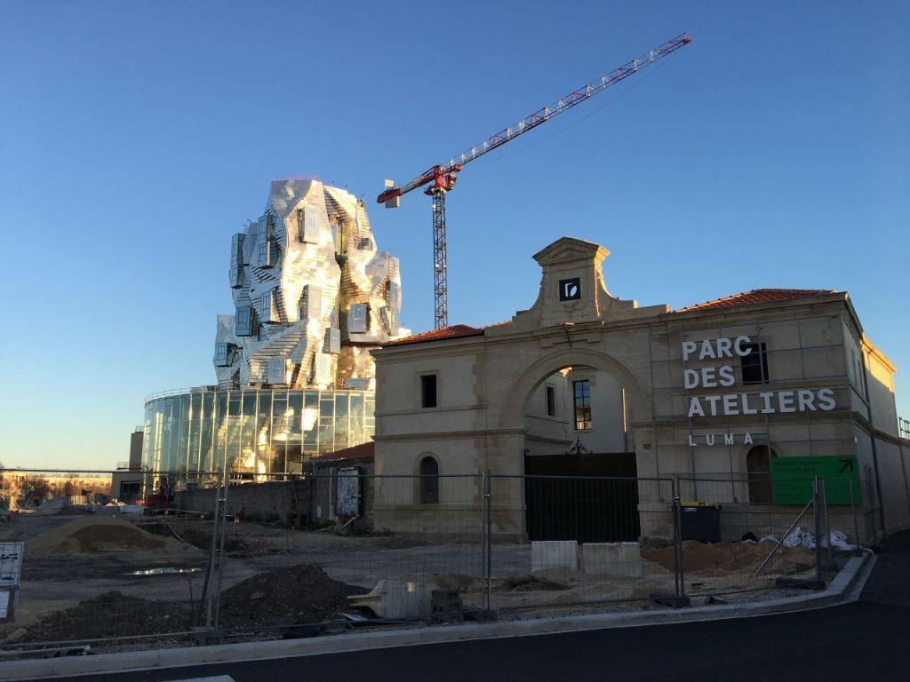 Eerste dakterrassen op Frank Gehry's toren in Arles gereed