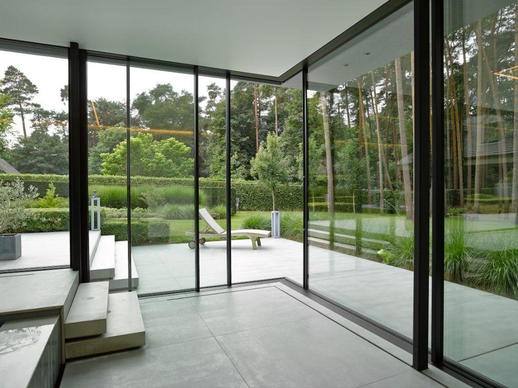 Duurzame aluminium ramen en deuren vanuit een persoonlijke aanpak