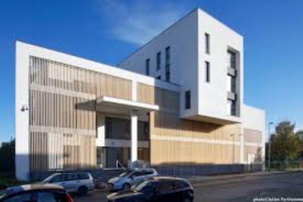 Bureau de police à Molenbeek-Saint-Jean, mention spéciale dans la catégorie 'Energie & Climats tempérés'.