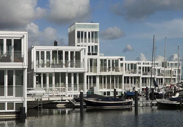 'Waterwoningen' door Marlies Rohmer Architects & Planners, Nederland. AR House Awards 2013, categorie 'hoog aanbevolen'