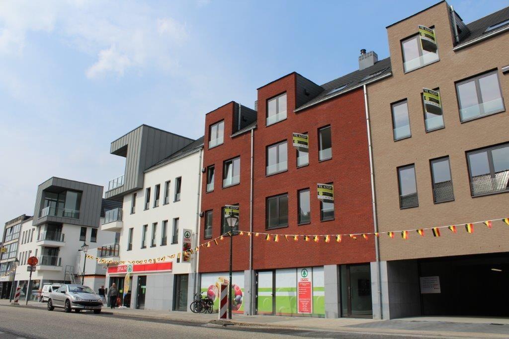 Het woonzorggegeven staat centraal in het Leopoldspark, maar wordt geflankeerd door woonentiteiten en gelijkvloerse retailvoorzieningen.