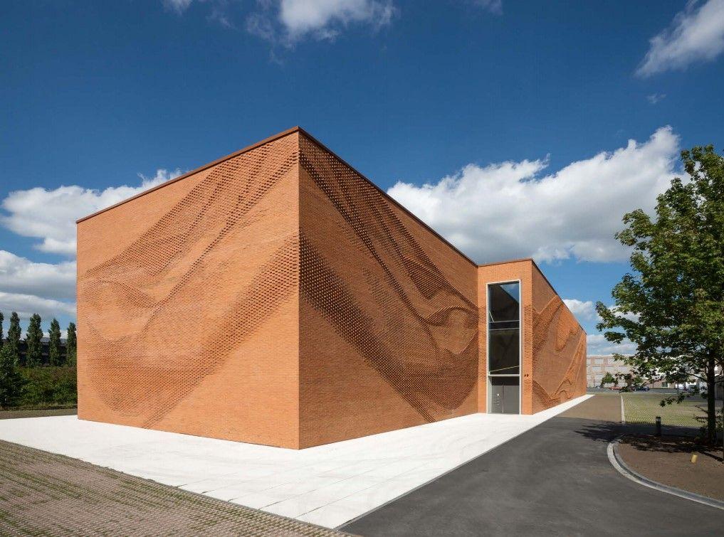 Opvallende baksteengevel voor administratief gebouw in Münster