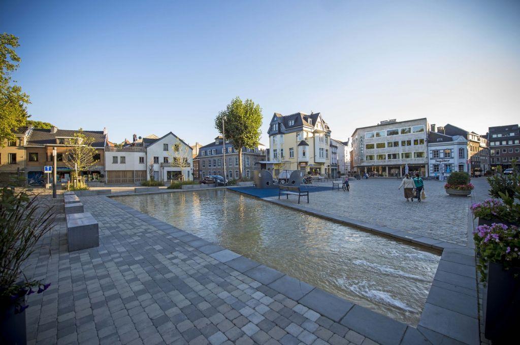Lauréat dans la catégorie 'Ouvrage d'art ou espace architecturé' :  Luc Dutilleux (ARTAU architectures) pour l'Aménagement urbain de la Klötzerbahn à Eupen