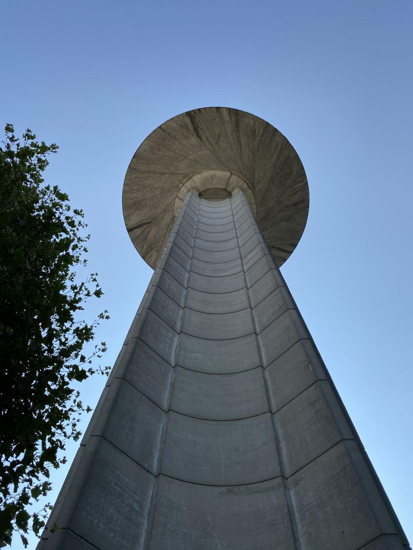 Sculp[IT], Styfhals en Arcadis winnen architectuurwedstrijd voor reconversie iconische VRT-toren