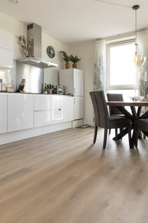 COREtec® vloer siert keuken