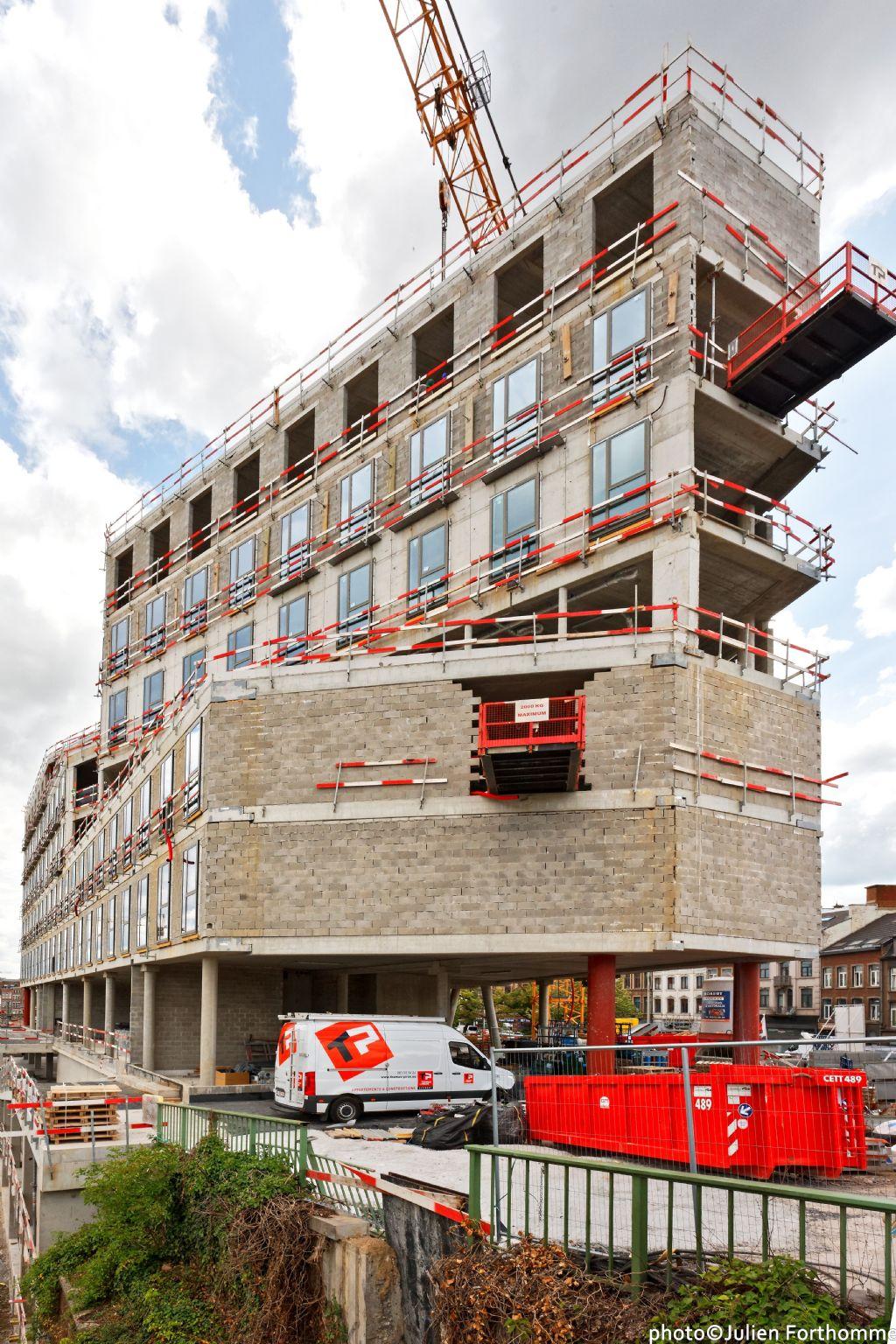 A Namur, l'immeuble Belfius en est au stade du gros oeuvre.