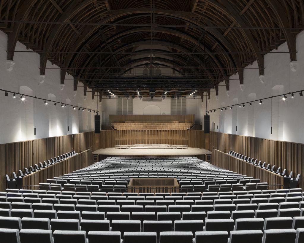 Gotische concertzaal Muziekcentrum De Bijloke wordt akoestische ruimte van internationale kwaliteit (DRDH Architects)