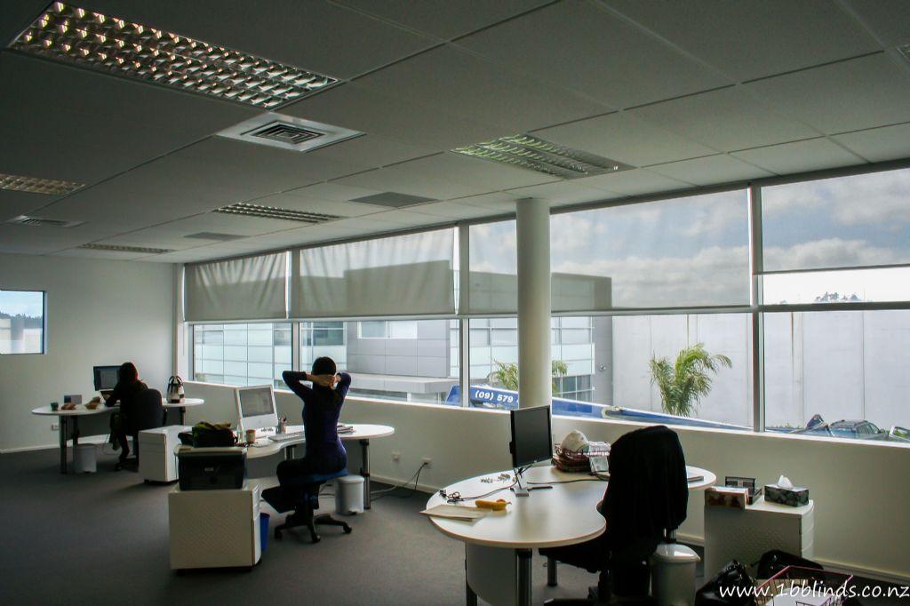 Zonweringsector pleit voor helder glas