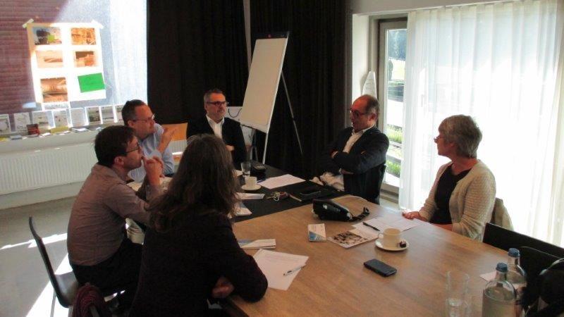 In het debat rond duurzaam en efficiënt ruimtegebruik werden onder meer de ruimtelijke ordening in Vlaanderen en de rol die architecten hierbij kunnen of moeten spelen besproken.