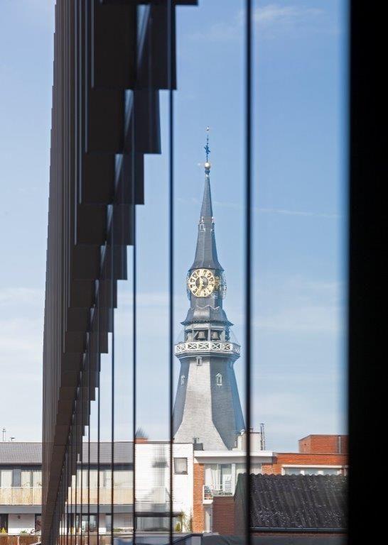 Vanuit het nieuwe stadhuis heb je een prachtig zicht op de Hasseltse binnenstad. (Beeld: UAU collectiv)