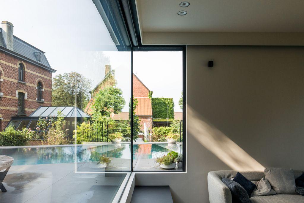 Hoogwaardig geïsoleerde raam- en deuren in nieuwbouwvilla