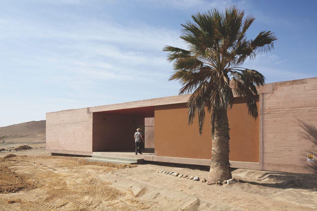 Barclay & Crousse - Paracas Museum