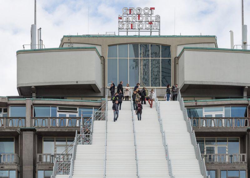MVRDV voltooit gigantische stellingtrap in stadscentrum Rotterdam