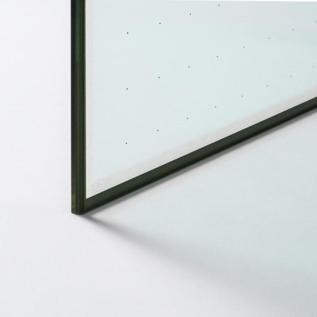 AGC Glass Europe investit dans le vitrage sous vide à très hautes performances d'isolation
