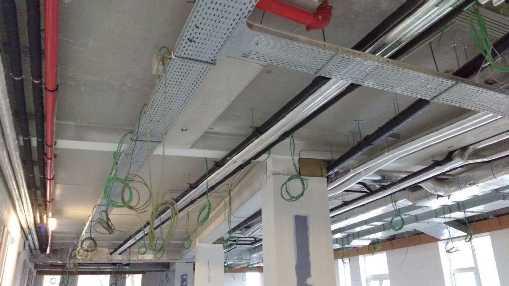 Aan de toegankelijkheid van de technieken in verlaagde plafonds hecht Ingenieursbureau Botec veel belang.