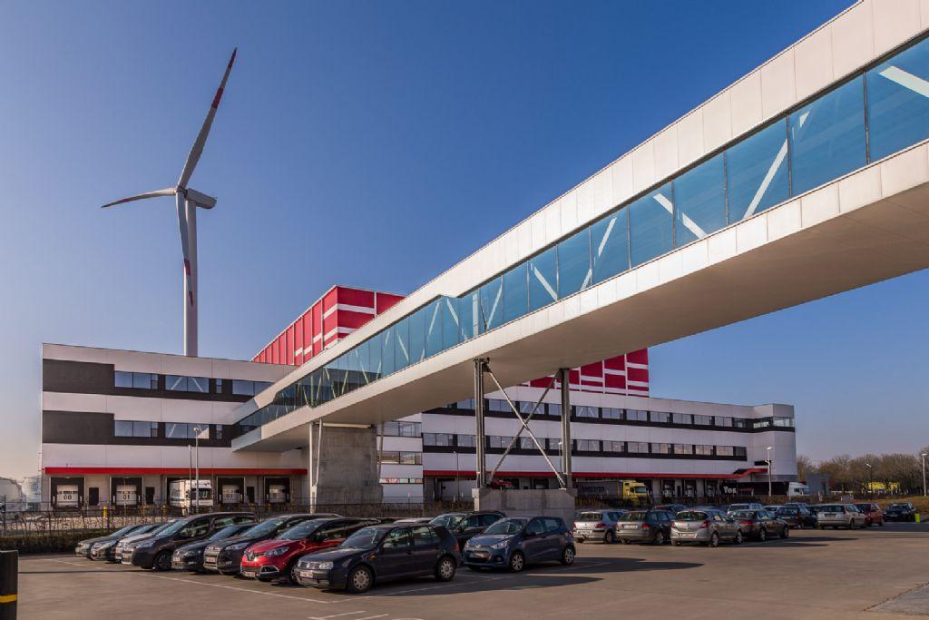 In totaal was er voor de constructie van de 107,8 meter lange transportbrug over de Pildersweg 143,6 ton staal nodig (S235JR en S355J2H).