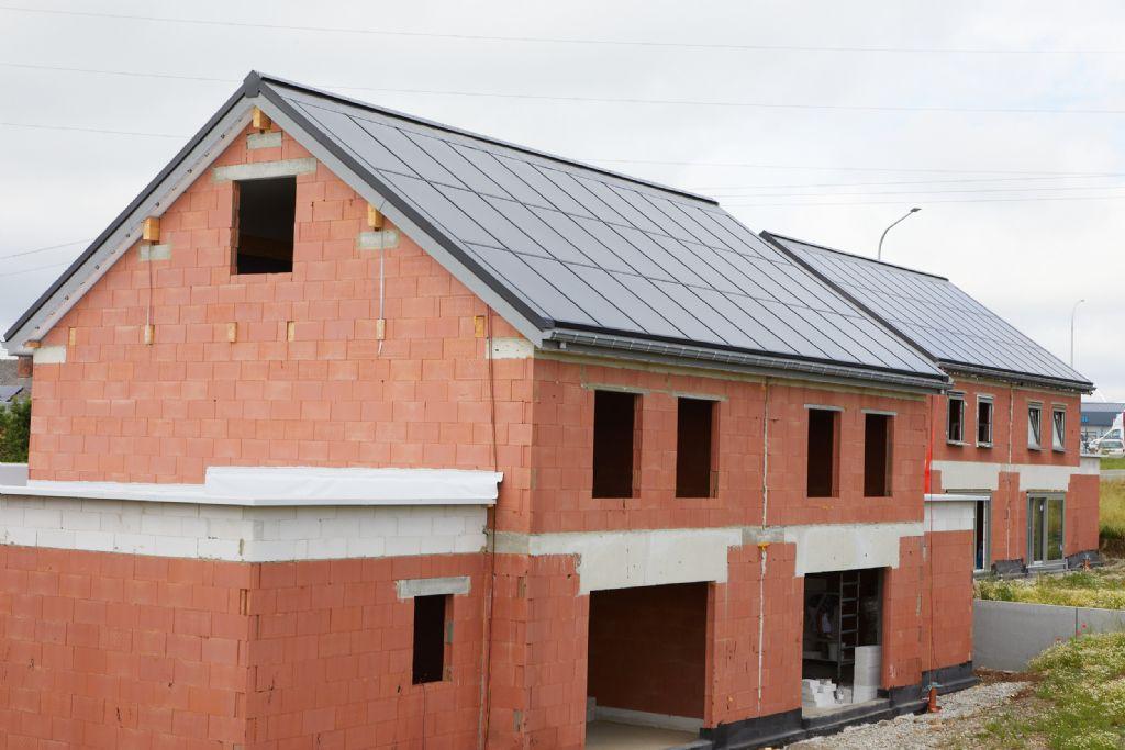 Unidek SolarPower: een mooie en economische manier om zonnepanelen te plaatsen op het dak