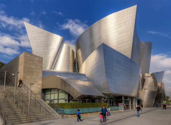 Walt Disney Concert Hall à Los Angeles, par Frank O Gehry